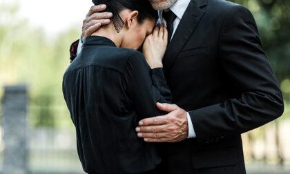 Organizzare un funerale: come fare e da chi farsi aiutare