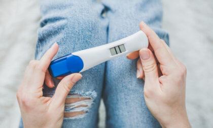 Come faccio a sapere se sono incinta? Test di gravidanza e primi sintomi