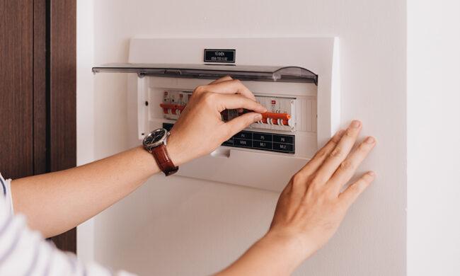 Manutenzione elettrica: come garantire la sicurezza e la funzionalità dell'impianto domestico