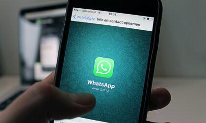 WhatsApp, due trucchi sulla posizione GPS e le spunte blu