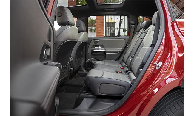 Mercedes-Benz GLC, design sportivo con il meglio di comodità e sicurezza